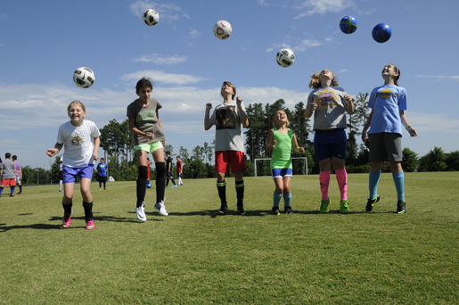 6 Points' campers practice soccer drills. Photo courtesy of 6 Points Sports Academy