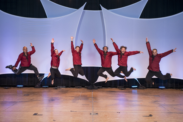The men of Hora DC perform