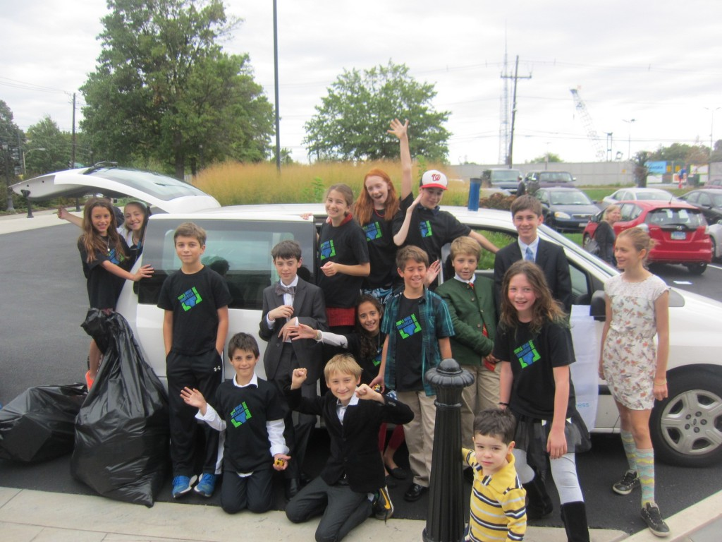 Students at Temple Micah collect and sort packaged underwear for the homeless. Photo courtesy of Temple Micah