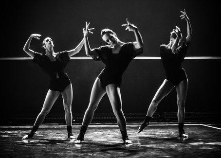 "Gallim Dancers perform ""Blush."" Photo by Yi-Chun Wu"