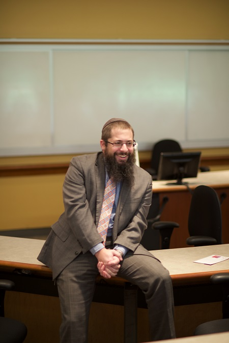 Joshua Runyan, editorial director for WJW publisher Mid-Atlantic Media, leads a session on Jewish journalism.